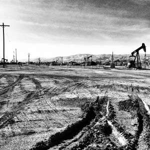 black and white image of Taft oil field. © Ken Rodgers 2014